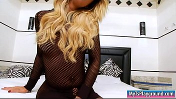 dominates lover shemale mireira tall over blonde Man loses control