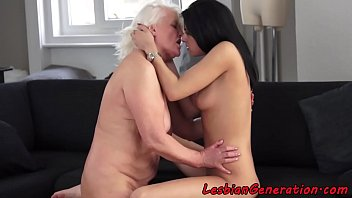 granny escort fuck kim Aunt spy his nephew while taking a shower4
