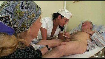 old and xnxx oldwomen man Feed her pussy