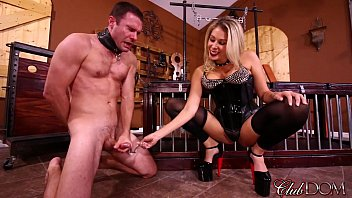 forced sissy mom her son Se corre dentro y llora