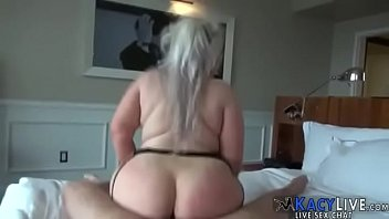 king servent ass huge like Jacking off in bed at night