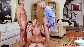 men young fuck doggiestyle girl 70 Se folla al entregador
