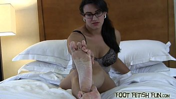 mules feet sexy Black guy fucking a hot indian chick