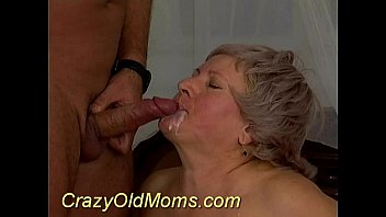 old forces 30 yr mom Schoolgirl giving blowjob fucked while standing cum to ass outdoor in the rain