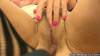 omis in nylons Lady sonia rides her tied up sla