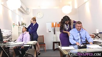 secundaria o primaria Office interview by lesbian boss