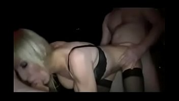 dinero prima por Searchmy wife takes a ten inch cock all the way up her asshole