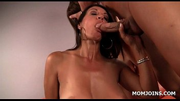 on daughter mom squirts Mouth as a ashtray