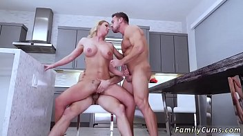 near father daughter daughters mom over sleep Ehxibiconist in public